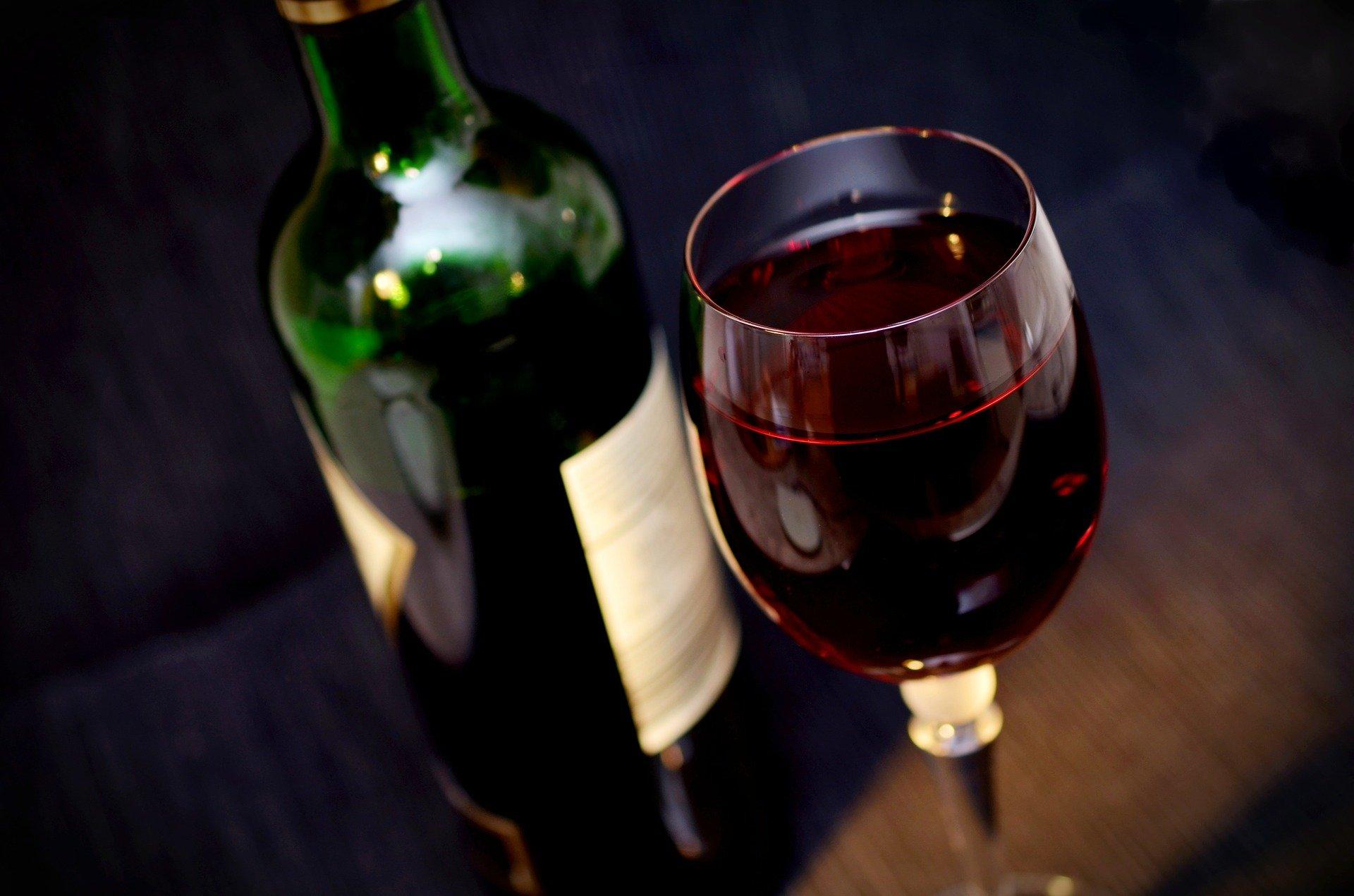 Vinho tinto: conheça os detalhes